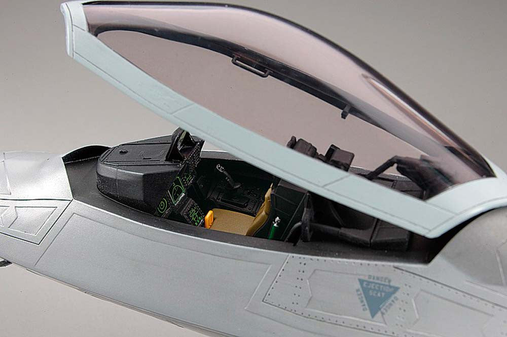 Hasegawa Aircraft 1/48 F22 Raptor USAF Superiority Fighter Kit