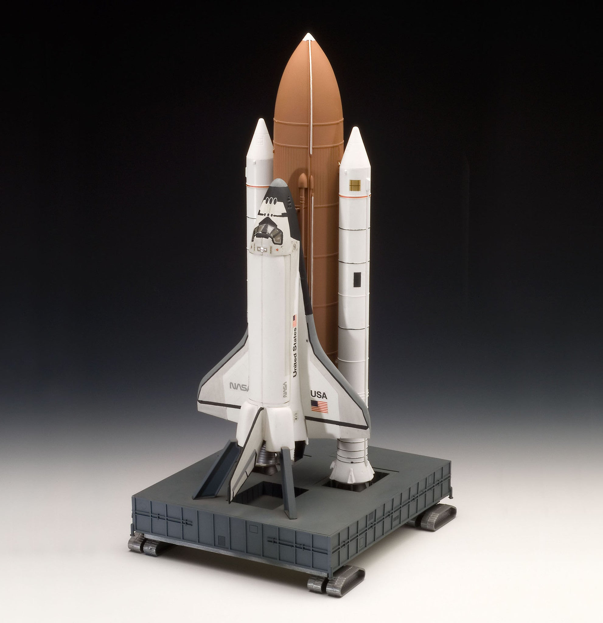 Revell Germany Space 1/144 Space Shuttle Discovery w/Booster Rockets Kit