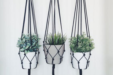 Macrame Plant Hanger (black & natural)