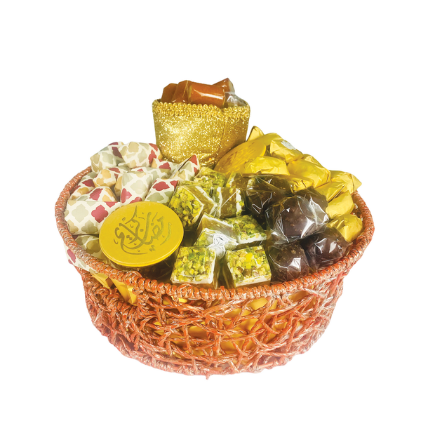 Suhour Surprise – Medium Sweets Gift Basket