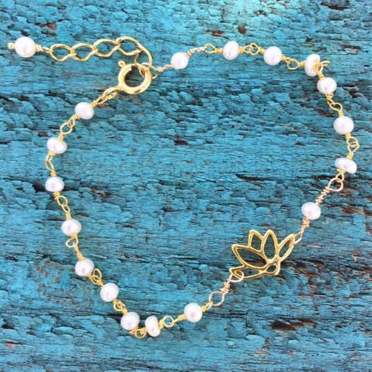 Lotus and Gold String of Pearls Bracelet - im keepsakes