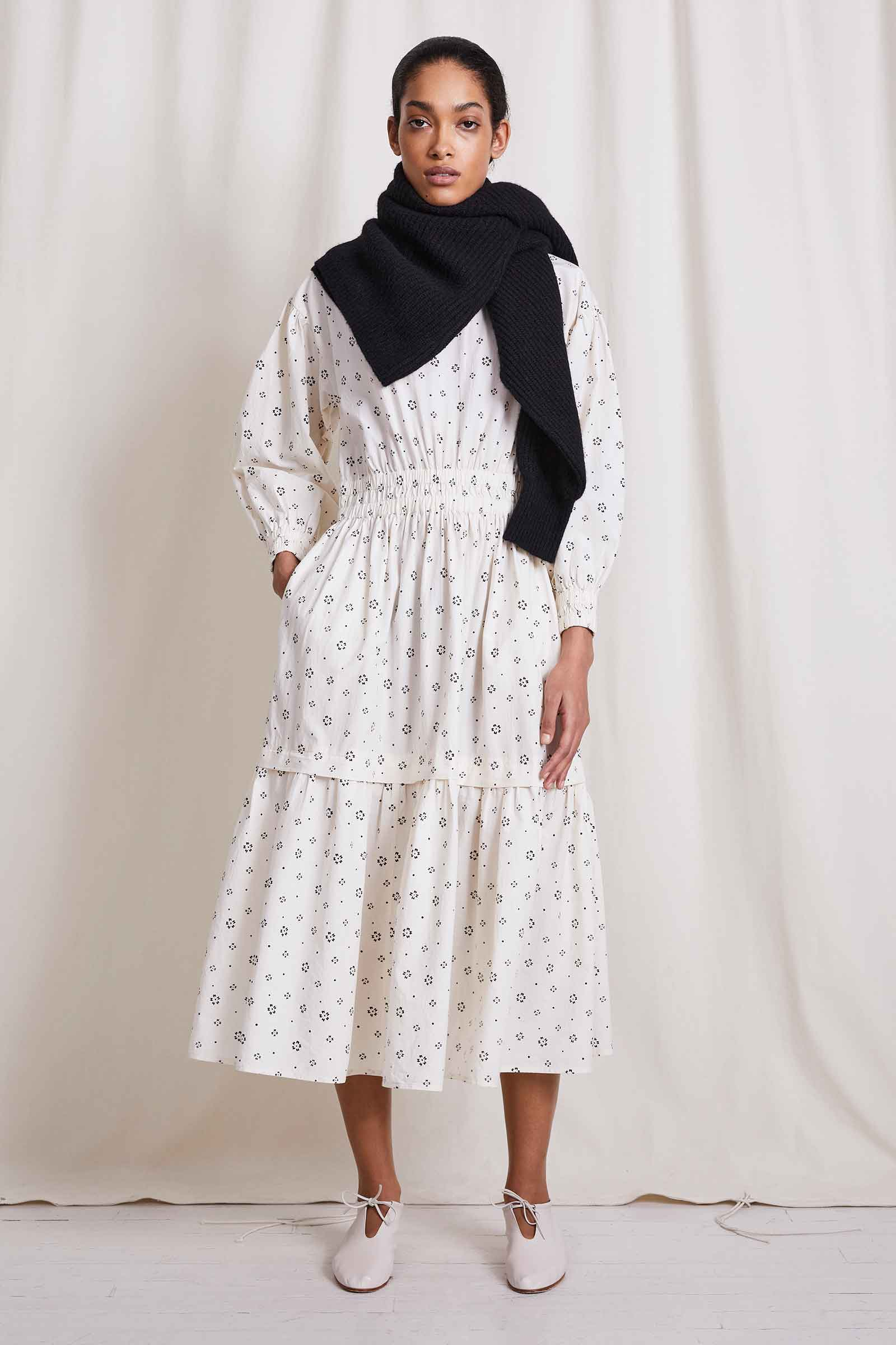 Scattered Floral Cream
