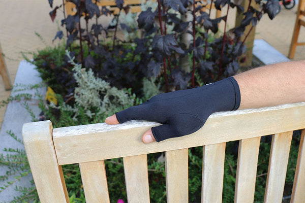 Infrared therapy gloves for arthritis, Raynaud's, carpal tunnel and other hand problem