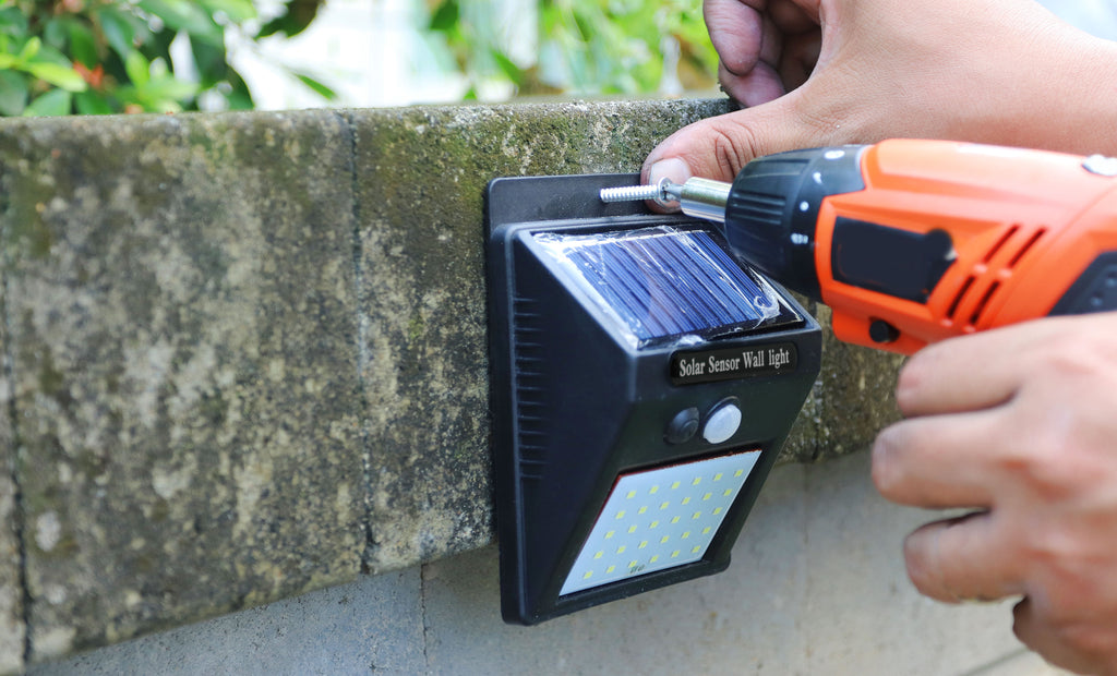 Bright Basics Solar Sensor Outdoor LED Light