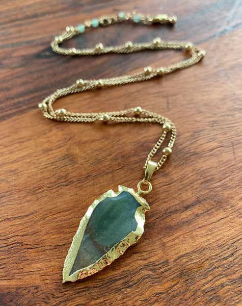 Earthly Arrows Necklace in Agate