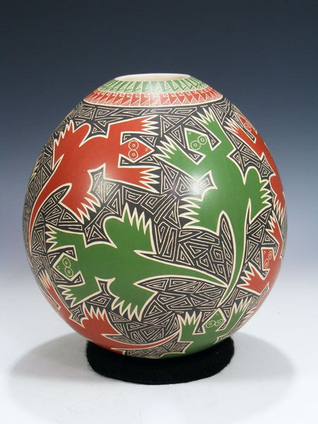 Mata Ortiz Hand Coiled Pottery by Humberto Pina - PuebloDirect.com - 1