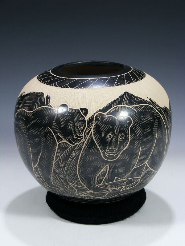 Mata Ortiz Hand Coiled Pottery by Heri Mora - PuebloDirect.com - 1