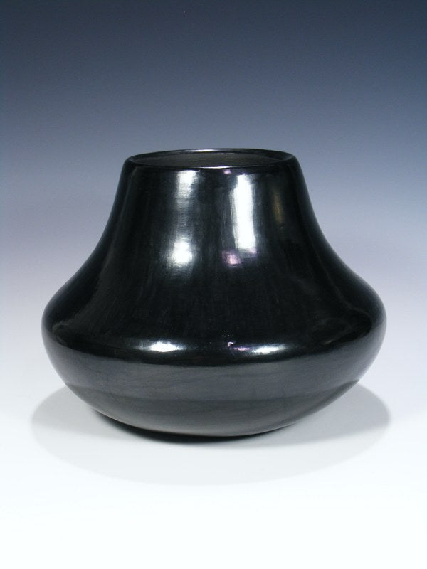 Santa Clara Black Pottery Pot
