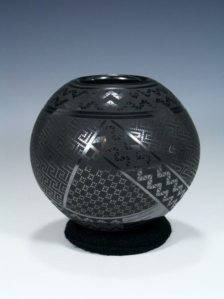 Mata Ortiz Hand Coiled Black Pottery