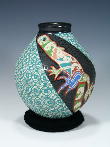 Mata Ortiz Hand Coiled and Etched Pottery