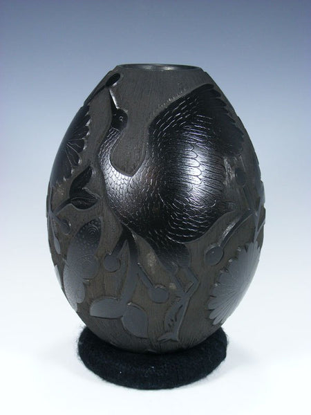 Mata Ortiz Black Pottery