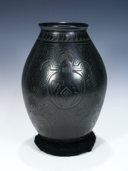 Mata Ortiz Hand Coiled Etched Beetle Pottery