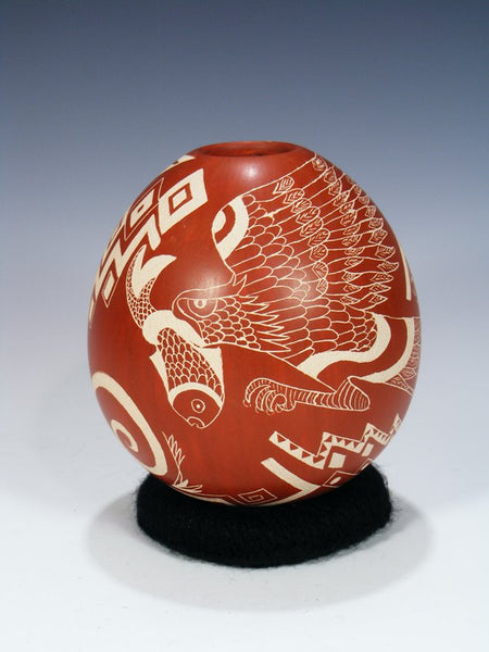 Mata Ortiz Etched Pottery