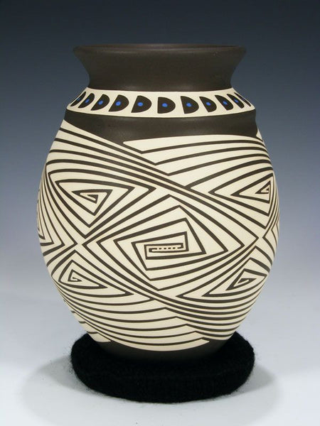 Mata Ortiz Hand Coiled Pottery by Celia Veloz - PuebloDirect.com - 1