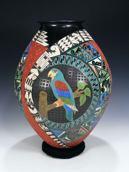 Mata Ortiz Hand Coiled Pottery by Memo and Aracely Varela - PuebloDirect.com - 1