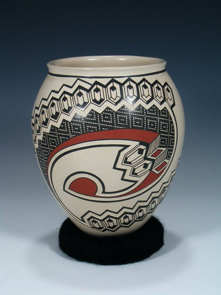 Mata Ortiz Painted Pottery Vase