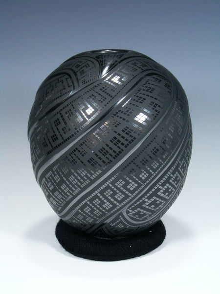 Mata Ortiz Hand Coiled Black Melon Pottery