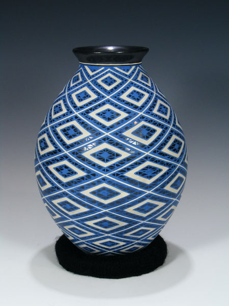 Mata Ortiz Hand Made Pottery Olla