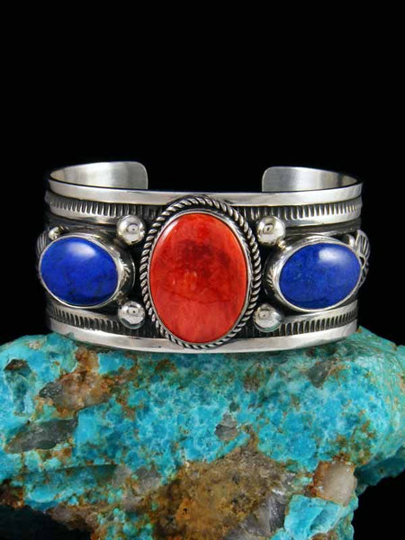 Native American Spiny Oyster and Lapis Bracelet