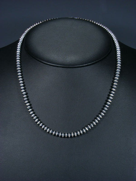"20"" Native American Silver Bead Necklace"
