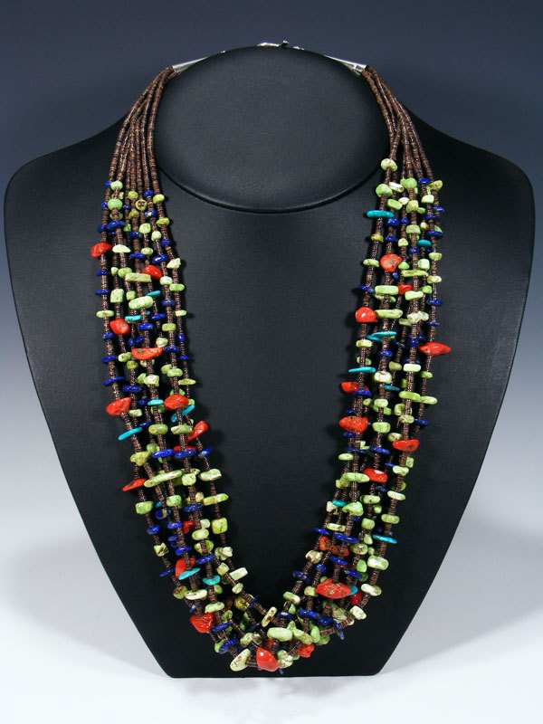 Native American Indian Santo Domingo Serpentine Necklace