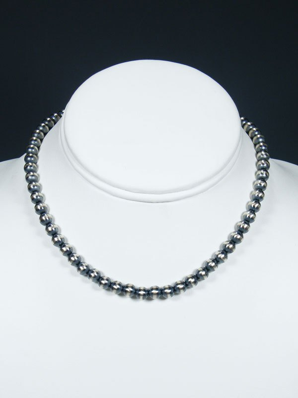 "14"" Native American Silver Bead Choker Necklace"