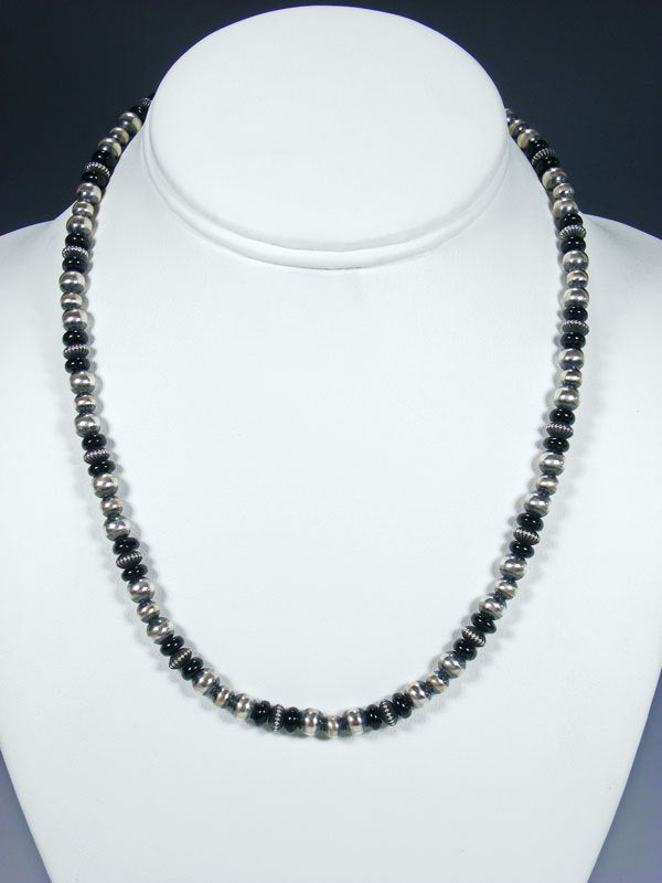 "18"" Navajo Black Onyx Sterling Silver Bead Choker Necklace"