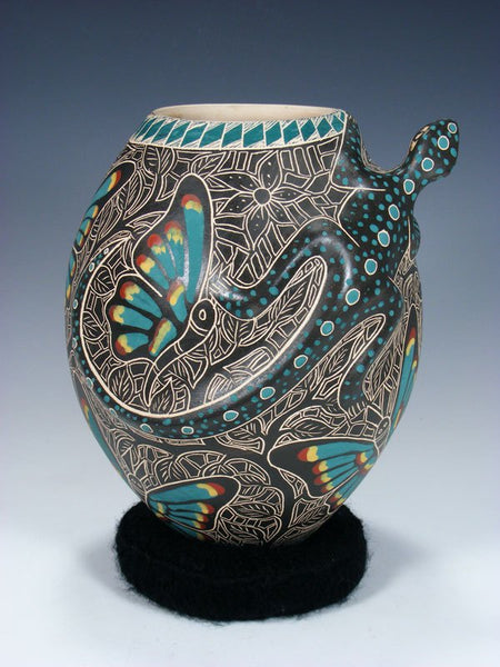 Mata Ortiz Hand Coiled Etched Lizard Effigy Pottery