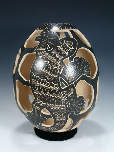 Mata Ortiz Hand Coiled Gecko Cut Out Pottery