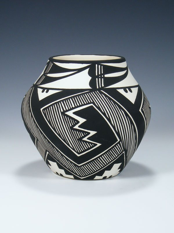 Acoma Pueblo Hand Painted Mimbres Design Pottery Bowl