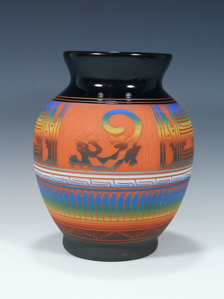 Navajo Etched Lizard Pottery Vase