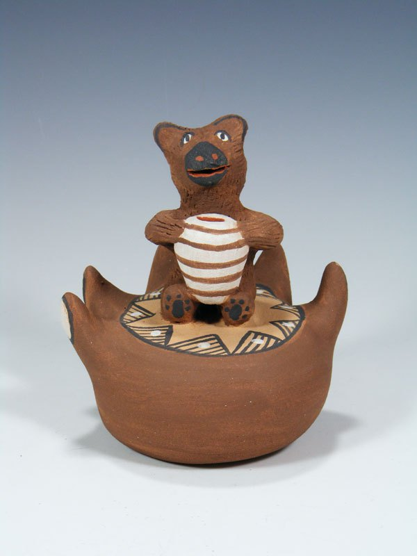 Jemez Pueblo Pottery Storyteller Bear With Honey Pot