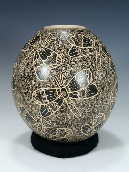 Mata Ortiz Hand Coiled Etched Dragonfly Pottery