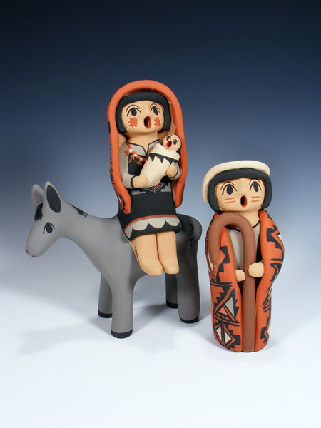 Jemez Pueblo Pottery Flight To Egypt Storyteller Set
