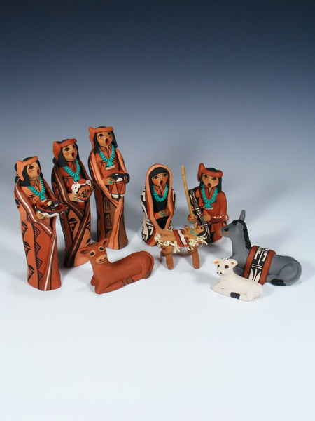 Jemez Pueblo Nativity 9 Piece Storyteller Figure Set