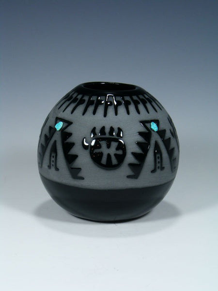 San Juan Pueblo Black Pottery Bear Claw Seed Pot