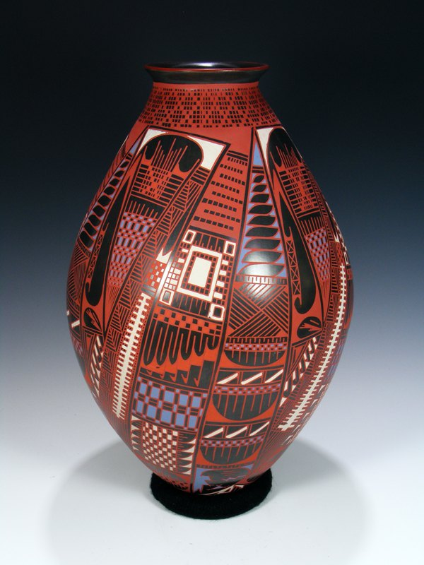 Large Mata Ortiz Hand Coiled Pottery