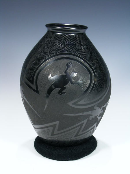 Mata Ortiz Hand Coiled Etched Pottery