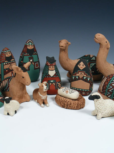 17 Piece Mata Ortiz Pottery Nativity Set