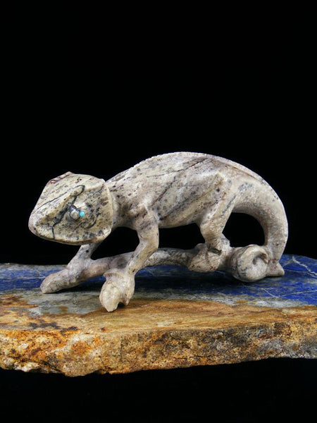 Serpentine Chameleon Zuni Fetish