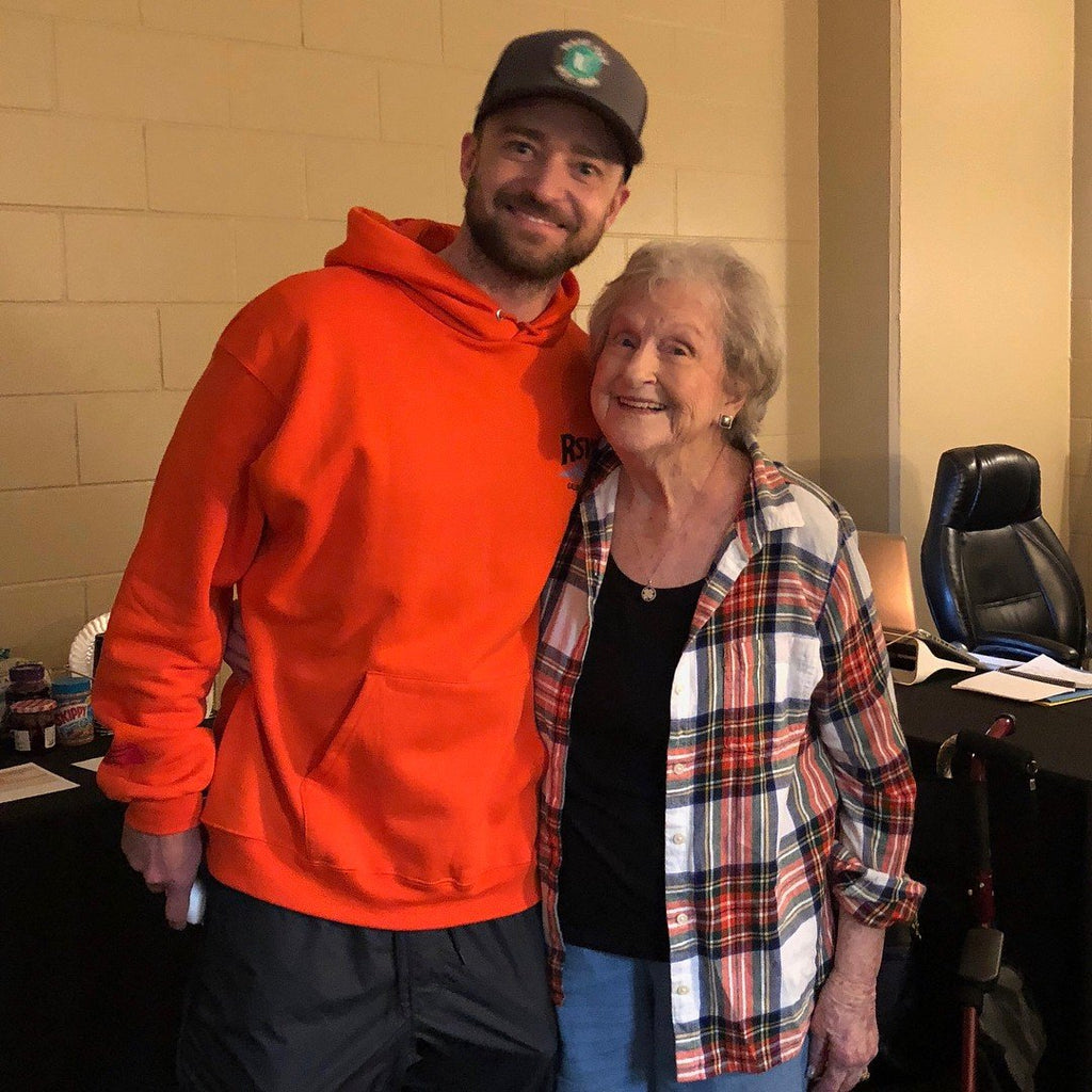 Justin Timberlake Honors 88-Year-Old Fan 'Nammie' During His Orlando Concert: 'I Love You'