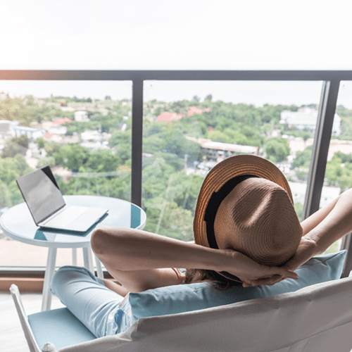 Bleisure Travel: A Look into How You Can Start Mixing Business With Pleasure