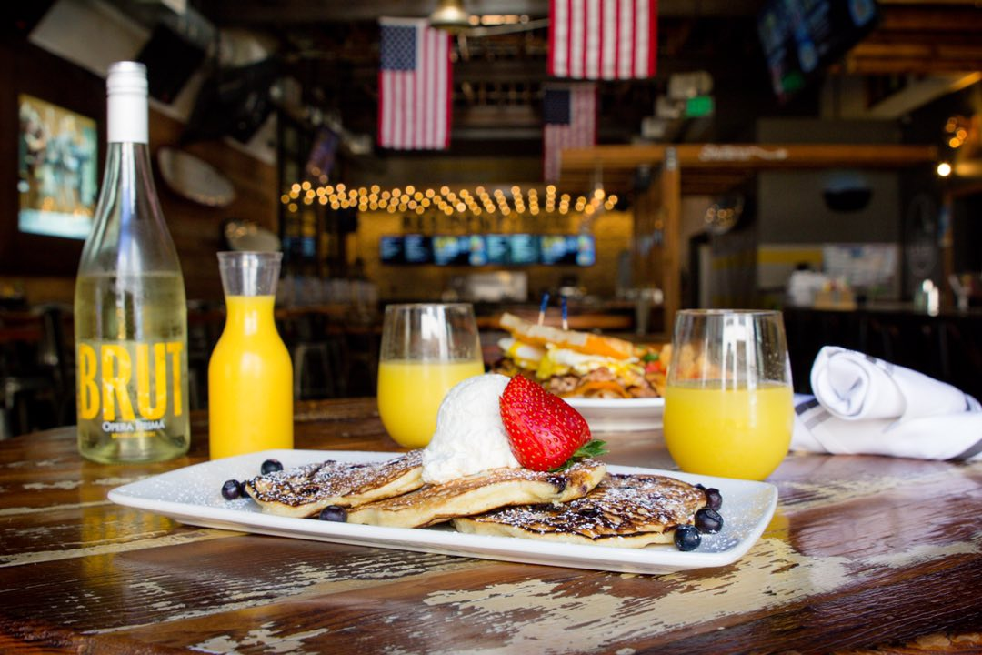 The Local Eatery and Drinking Hole in Pacific Beach, San Diego: bottomless mimosas
