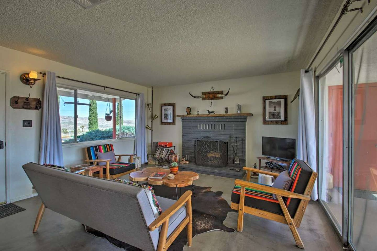 Aloha Ranch Roadside Inn in Yucca Valley - Aribnb