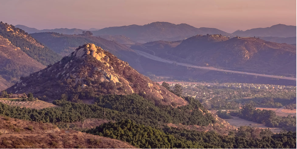 A freeway and mountains in Fallbrook California
