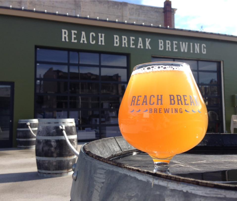 Best Oregon Breweries: Reach Break Brewing