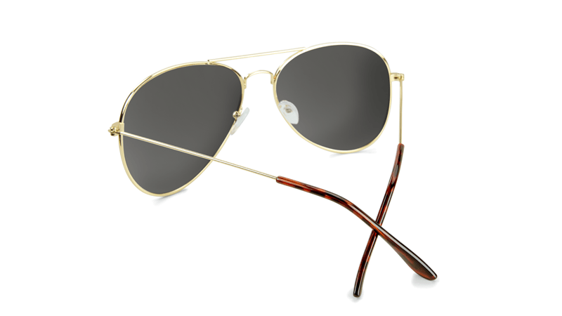 a1c1db2b7af ... Sunglasses with Gold Frames and Polarized Green Aviator Lenses