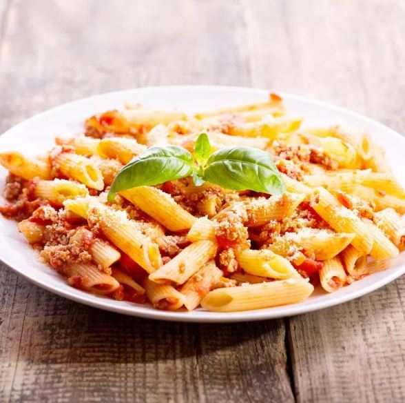 Penne bolognese | courgettes, carottes