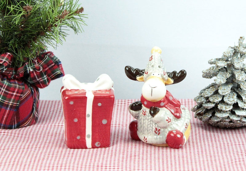 Christmas Moose and Present Salt & Pepper Set