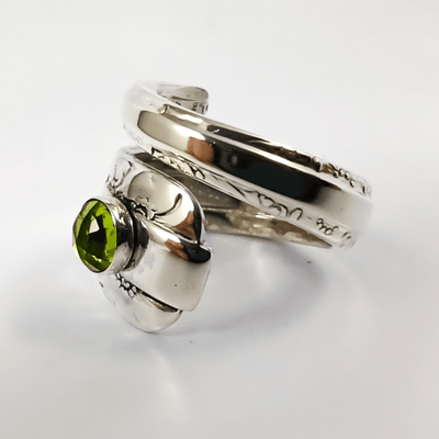 spoon ring Peridot Gemstone Spiral Twist Sterling Silver Spoon Ring